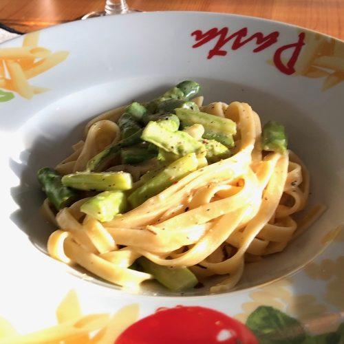 Spargel Zitronen Pasta a la Carbonara